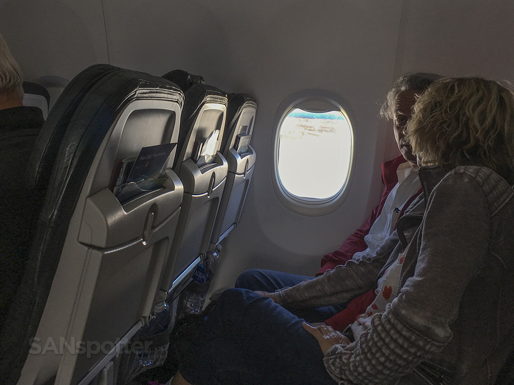 Alaska Airlines 737-800 passengers