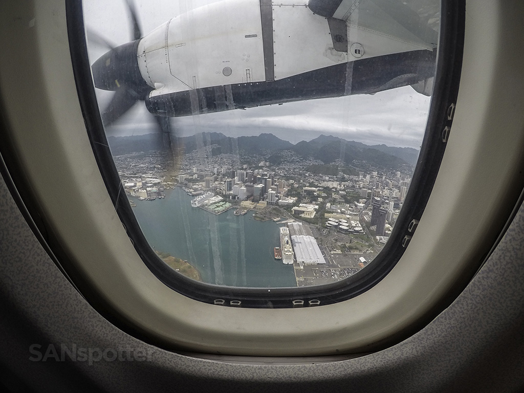 flying over honolulu