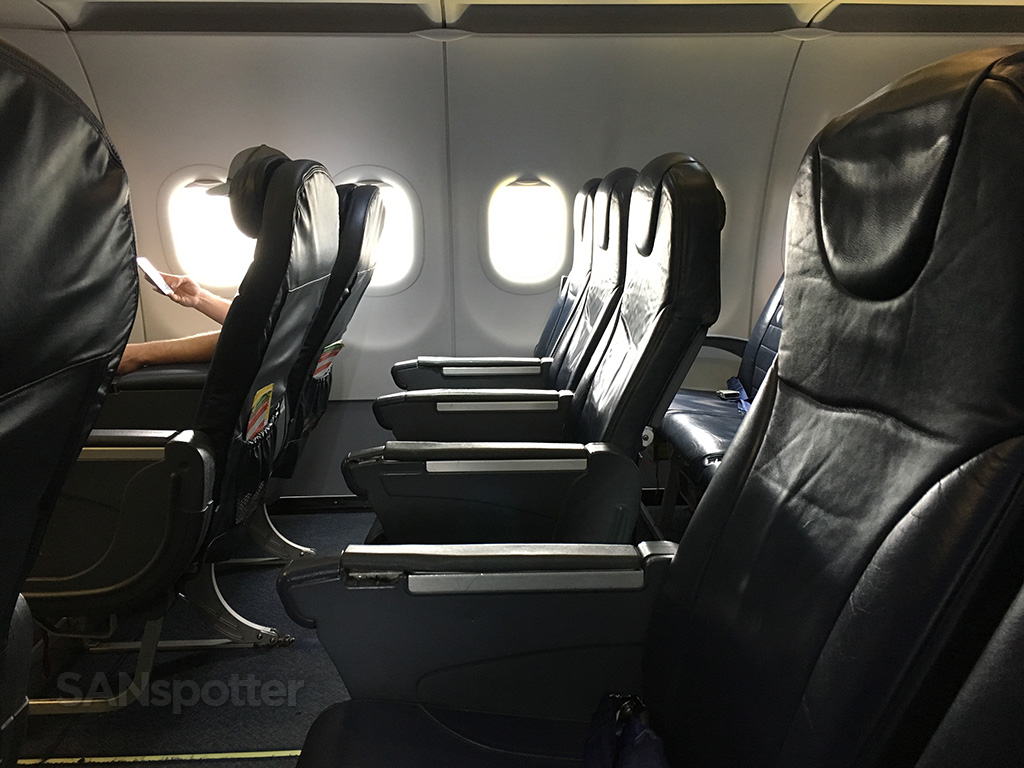 Spirit Airlines A320 seat spacing