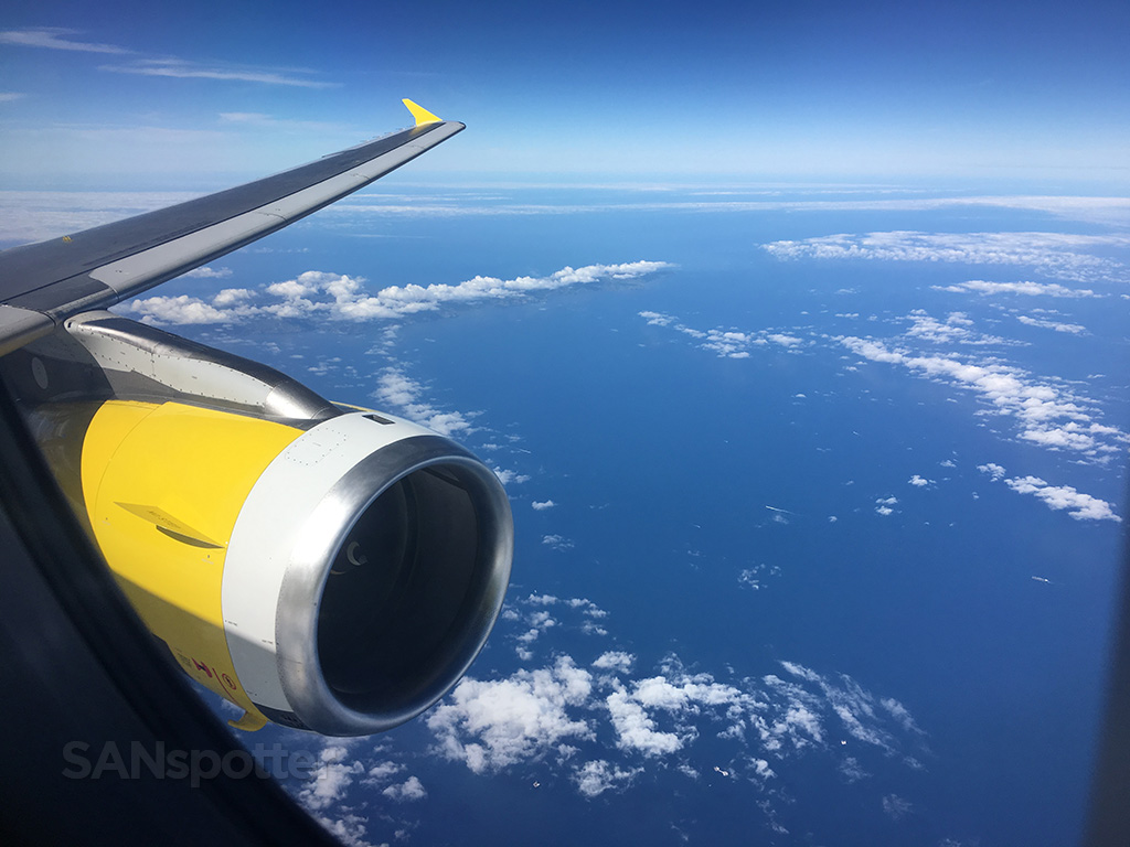 spirit airlines a320 wing engine