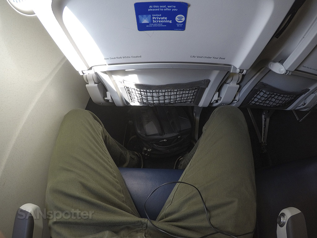 united airlines a320 seat pitch