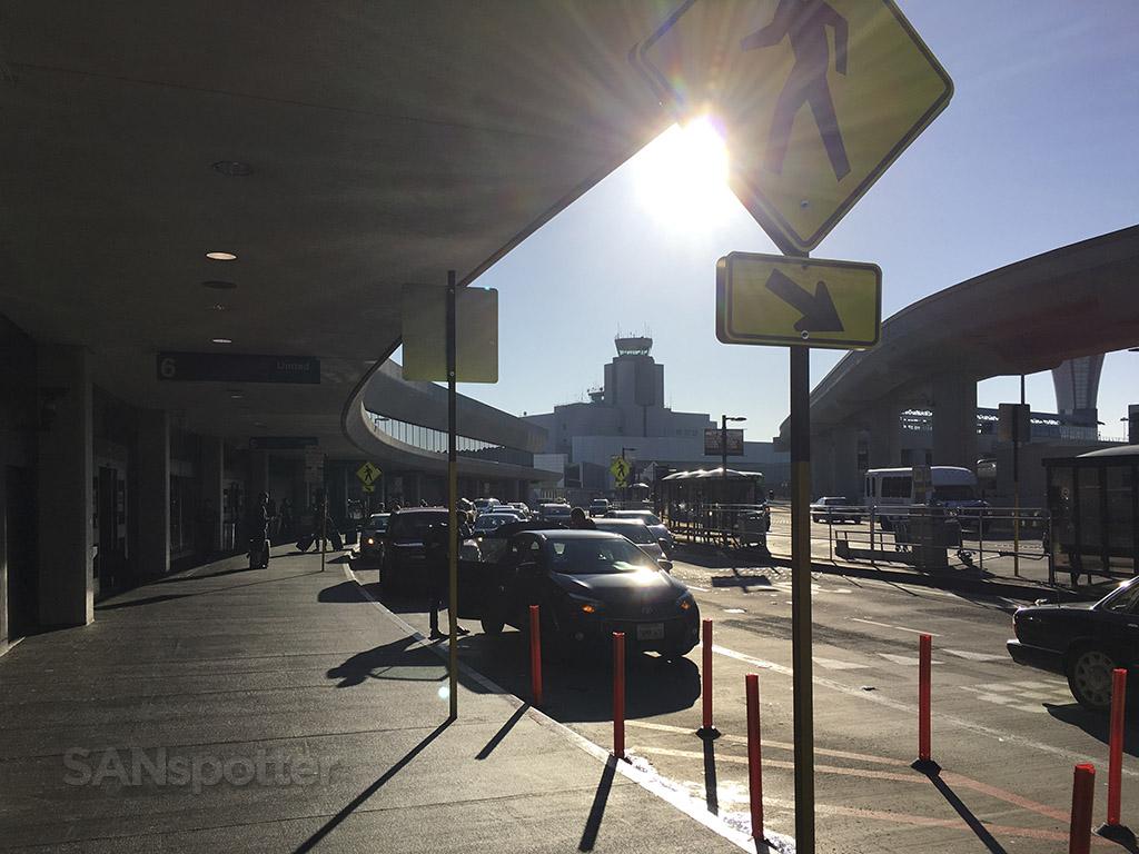 terminal 3 curbside SFO