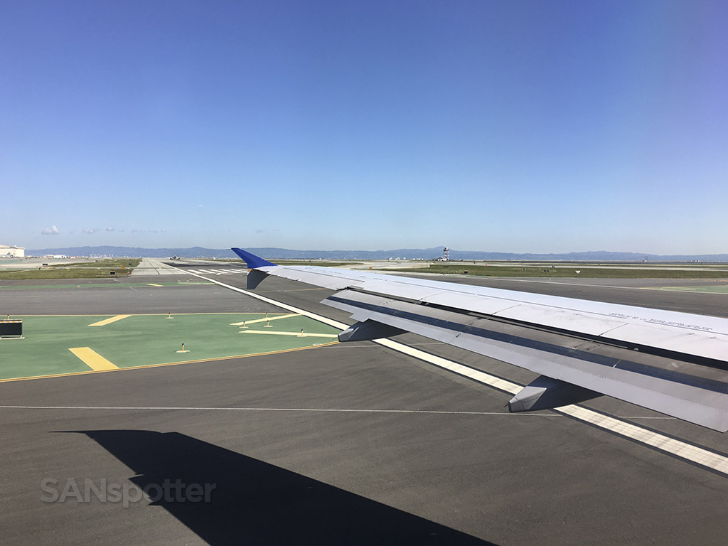UA a320 wing SFO
