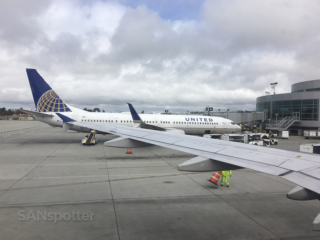 united airlines gates san diego airport