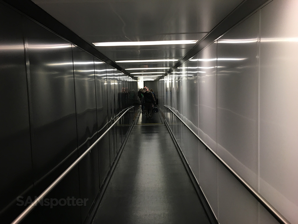 SAN airport jet bridge