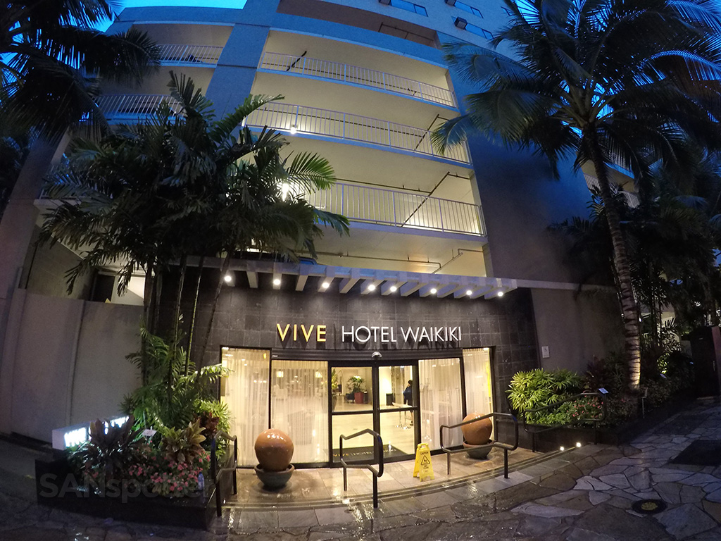 vive hotel waikiki main entrance