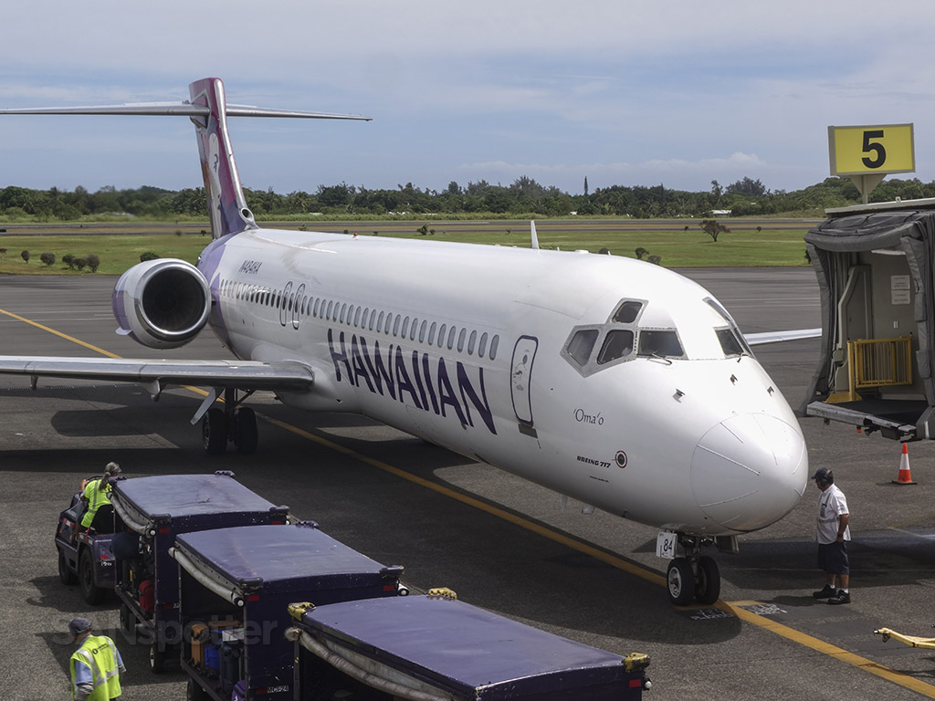 Hawaiian airlines 717 Hilo airport