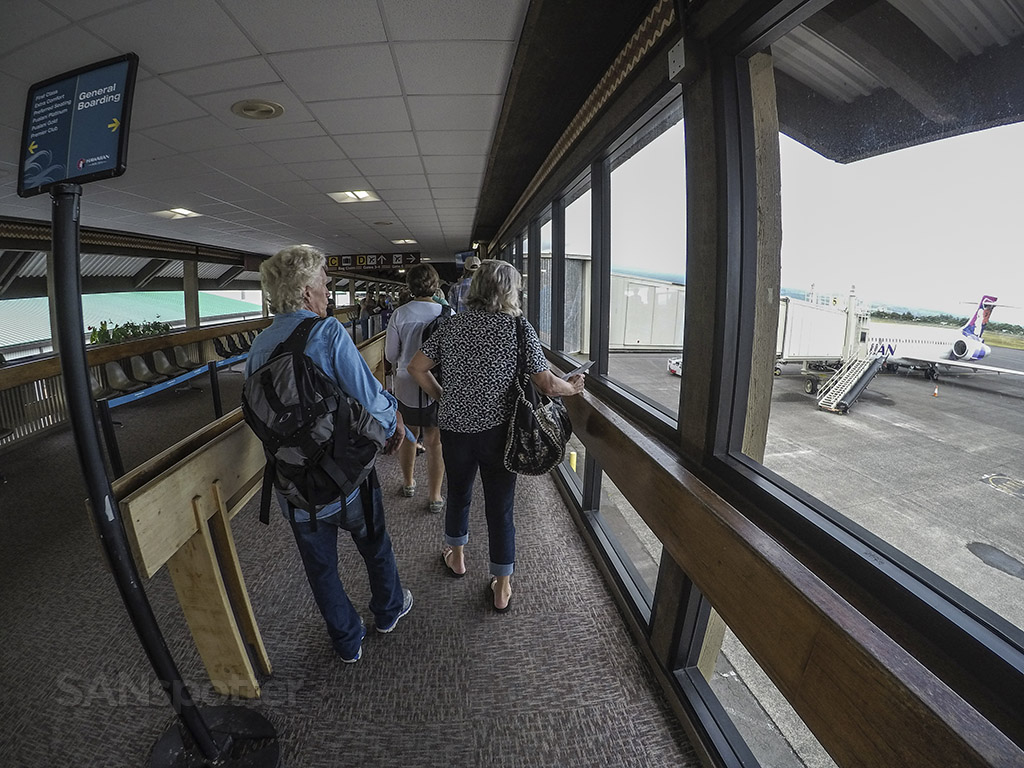 Boarding Hawaiian airlines 717 Hilo airport