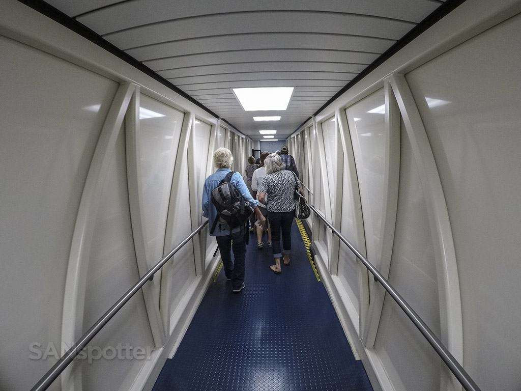 ITO airport jet bridge