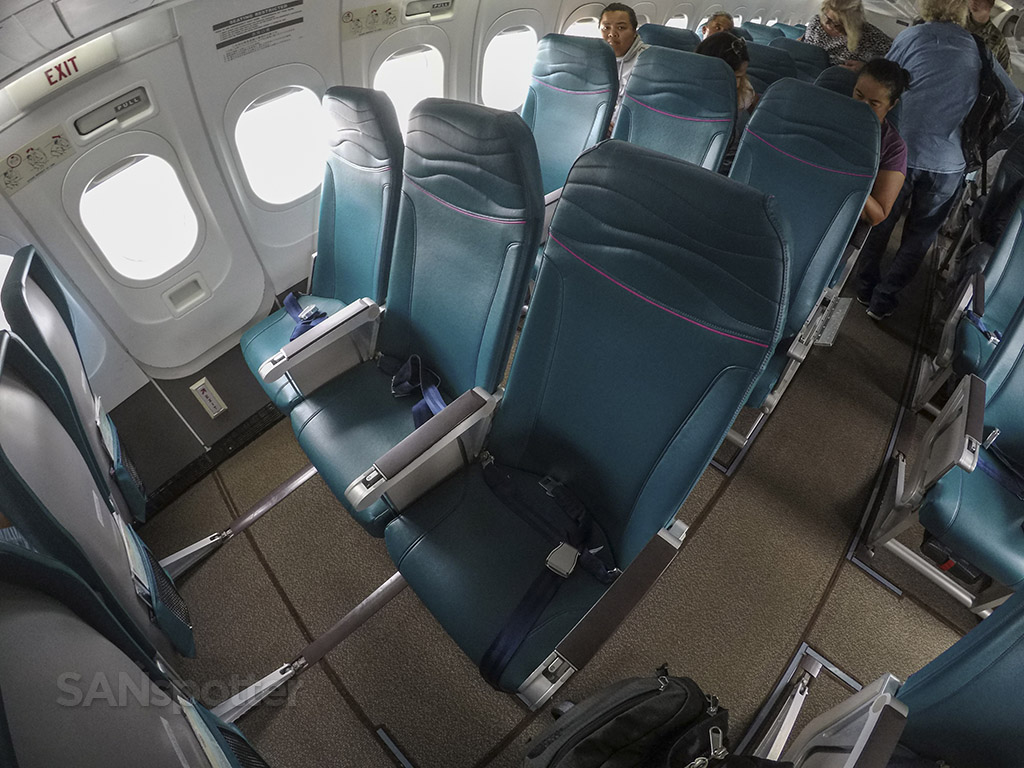 Hawaiian Airlines 717 exit row
