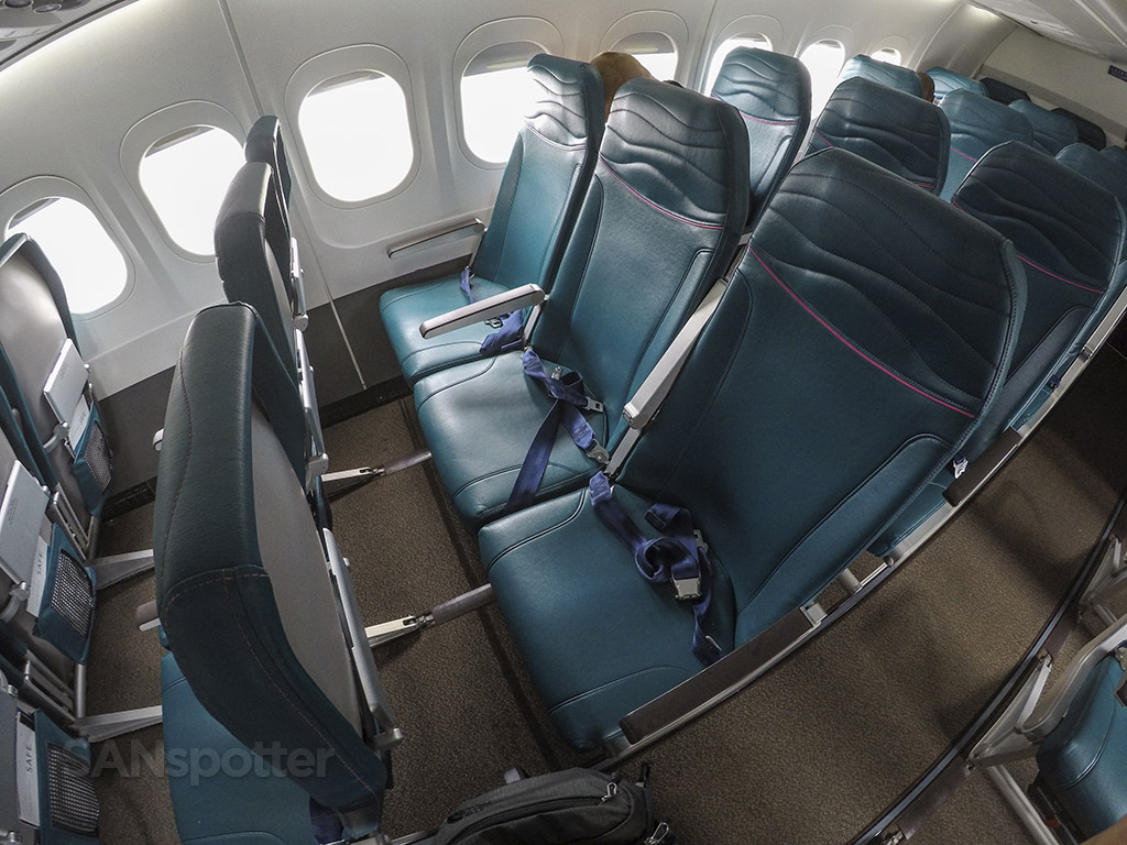 Hawaiian Airlines 717 economy class seats
