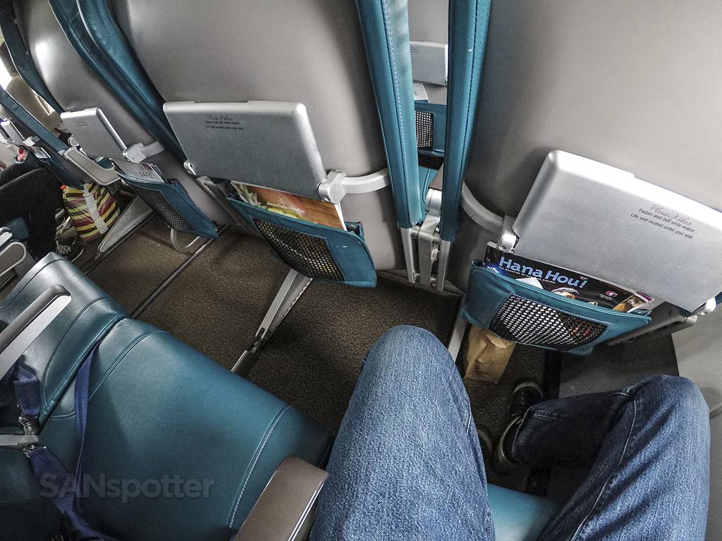 Hawaiian Airlines 717 leg room