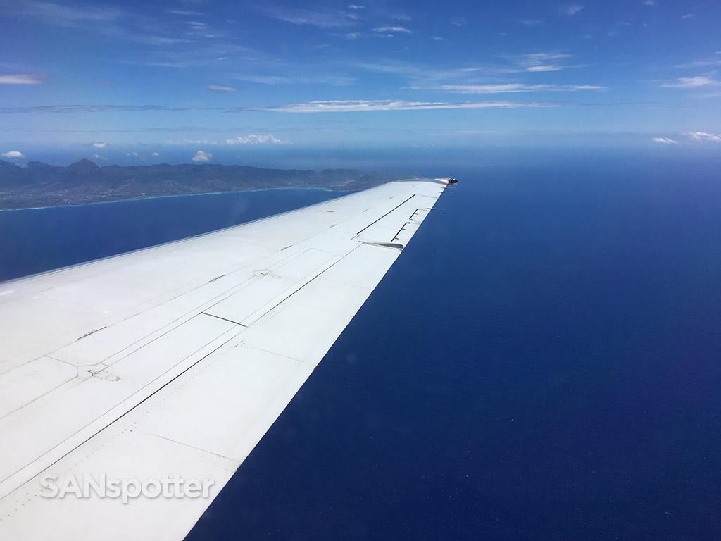 Flying to oahu