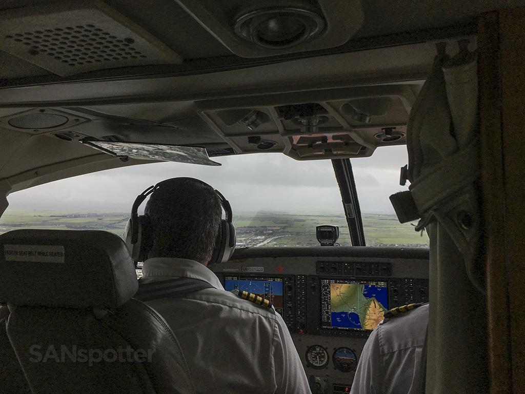 mokulele airlines cessna 208 pilots