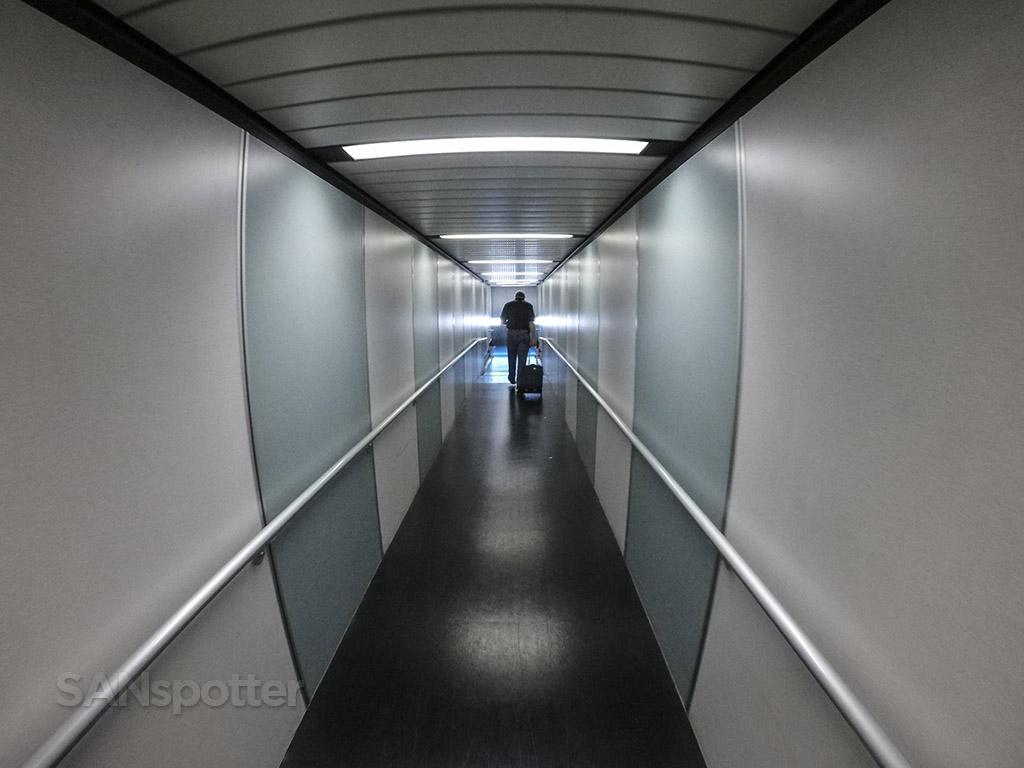 SAN jet bridge