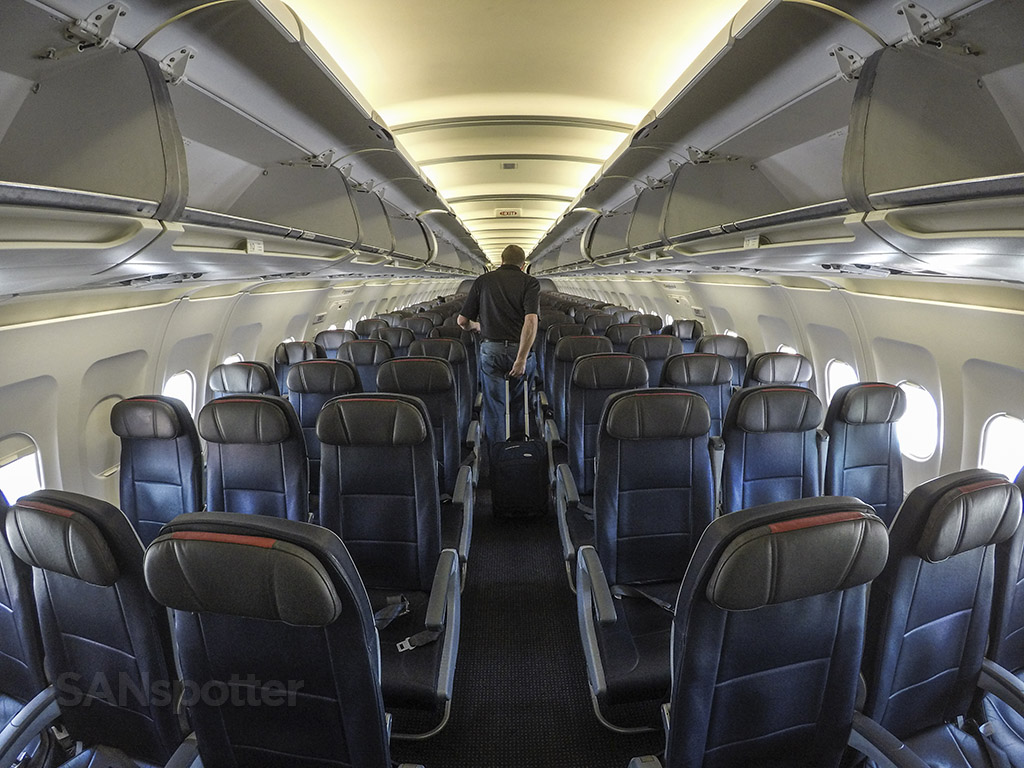 American Airlines A319 economy class