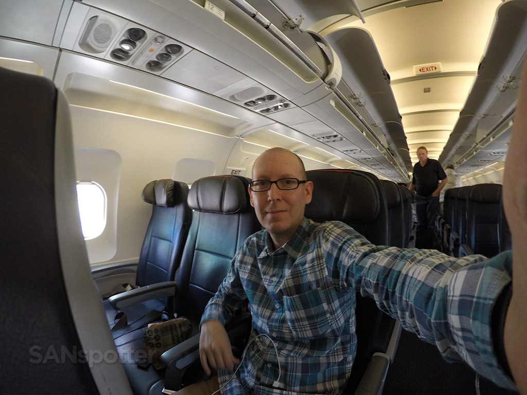 SANspotter airplane selfie american a319