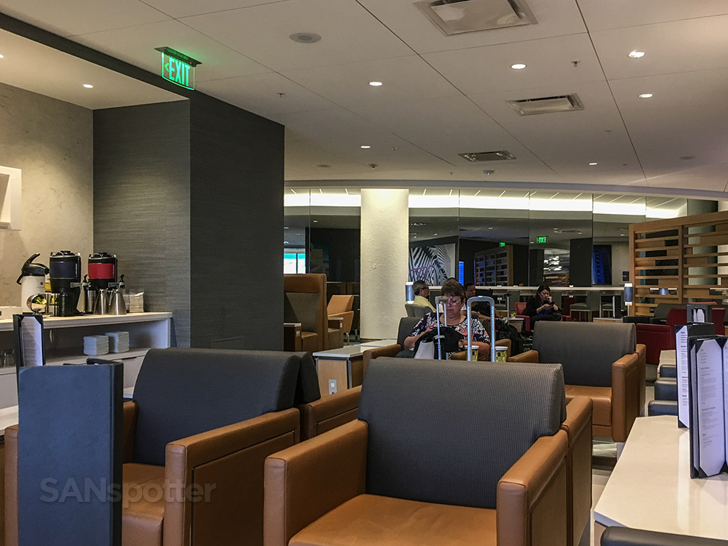 american airlines admirals club at d30, miami international