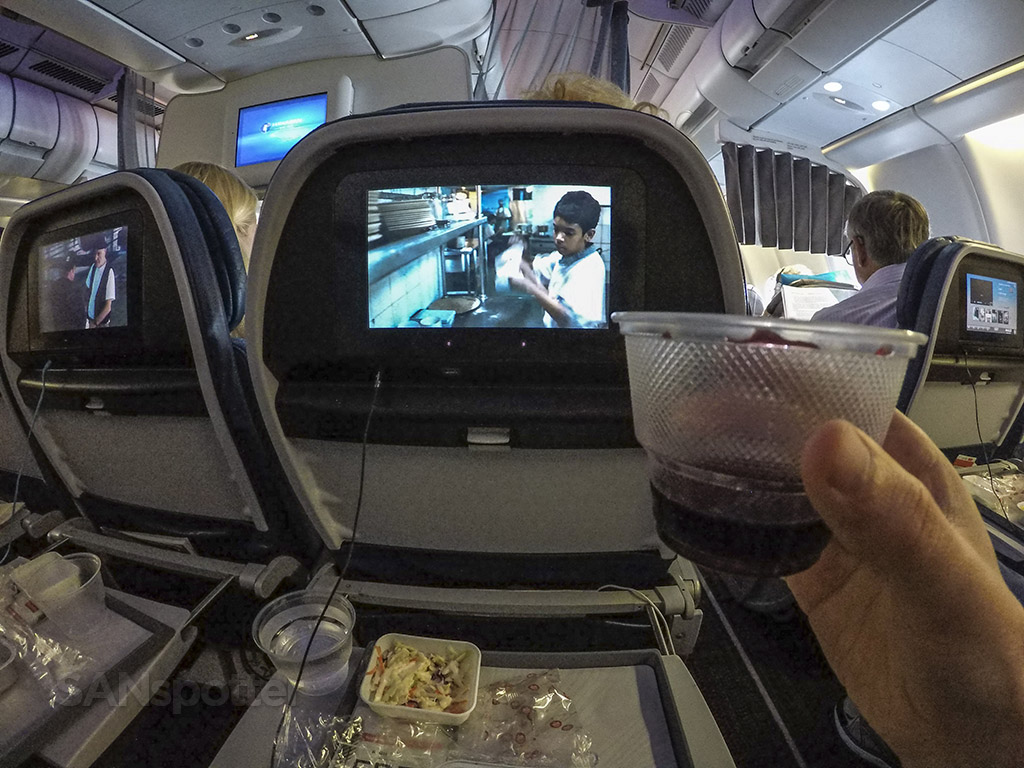 Hawaiian Airlines free wine