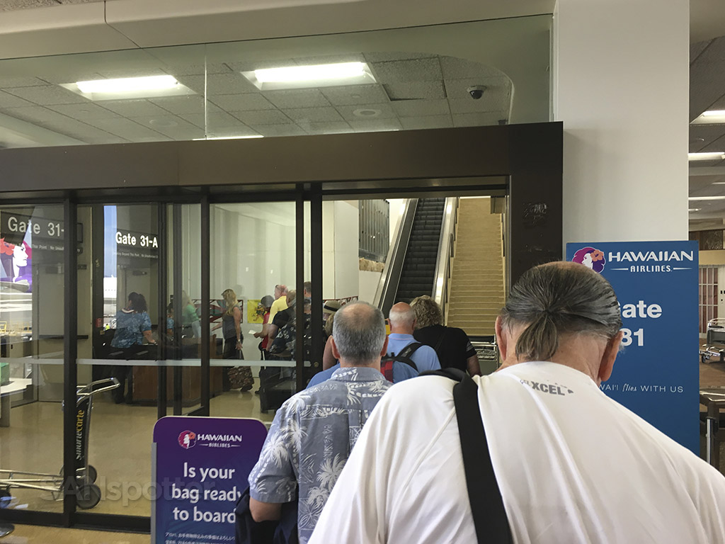 hawaiian airlines boarding gate 31