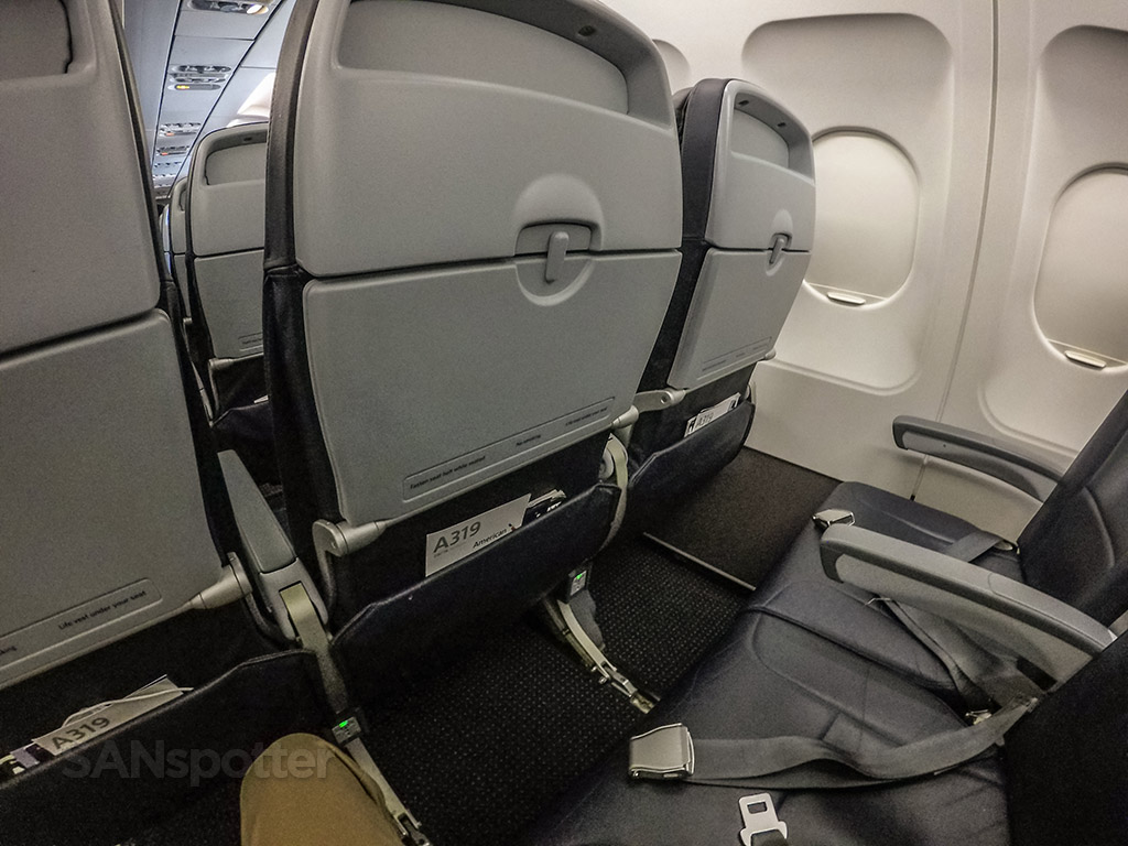 American Airlines a319 seat pitch