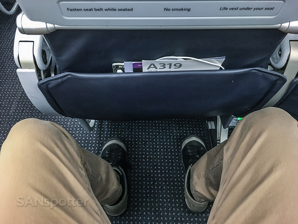 American Airlines a319 economy class leg room