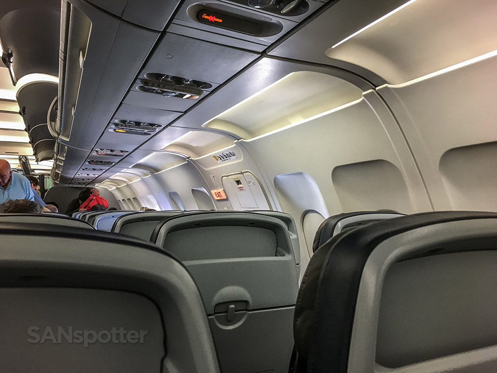 American Airlines a319 cabin