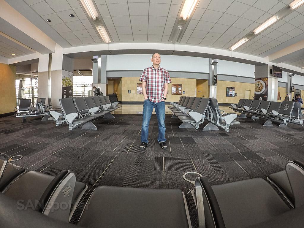 SANspotter airport selfie SAN