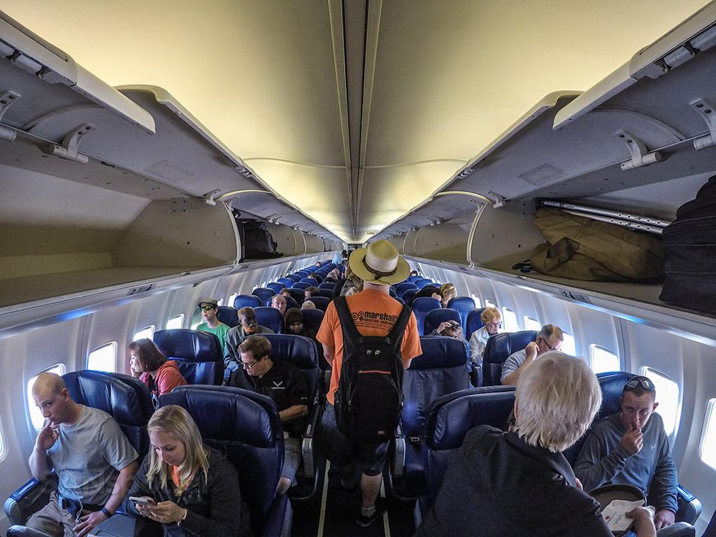 Sun Country 737-700 economy class