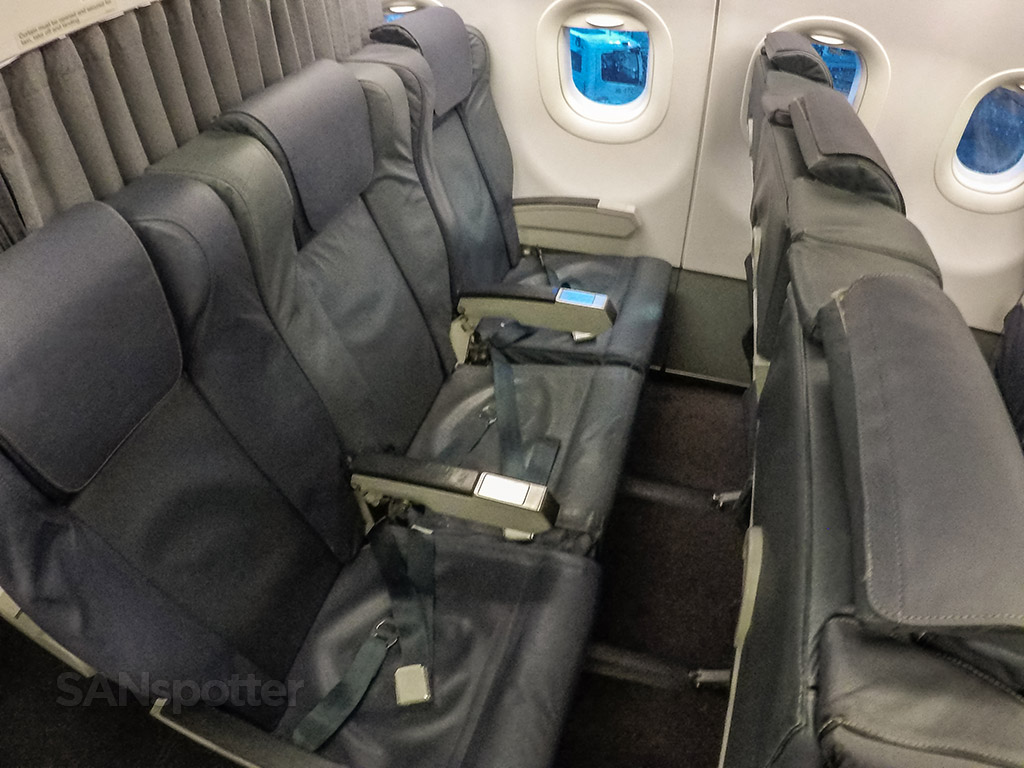 TAP Portugal A320 business class seats