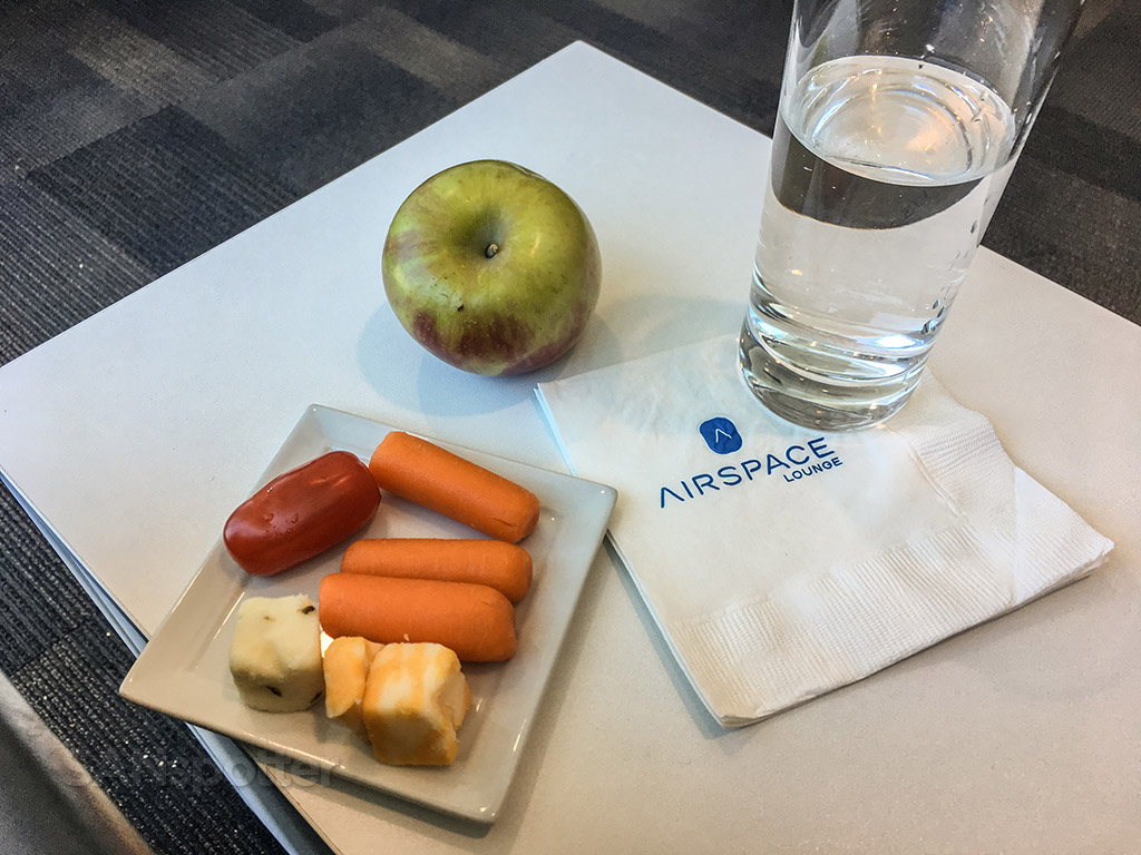 Free snacks San Diego AirSpace lounge