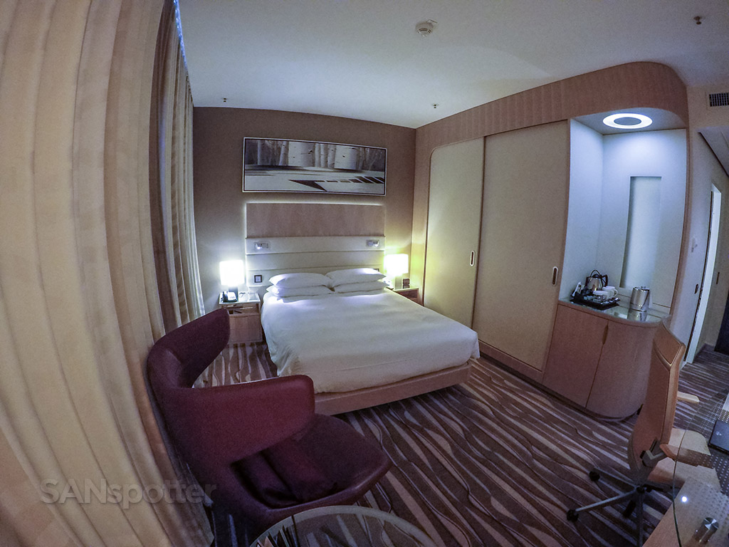 Frankfurt Airport Hilton room overview