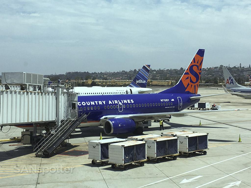 N713SY San Diego airport