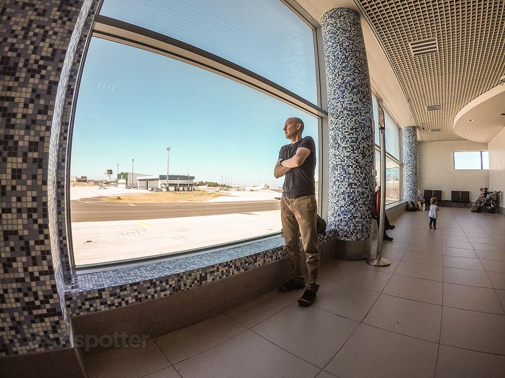 SANspotter airport selfie lisbon