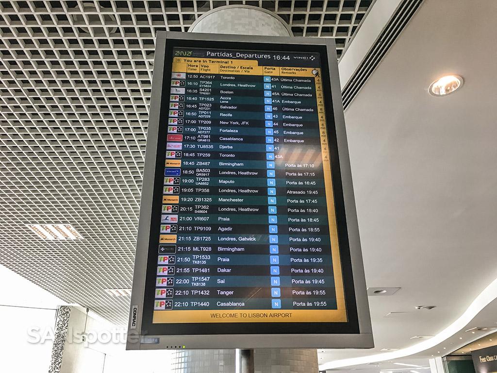 lisbon airport departures