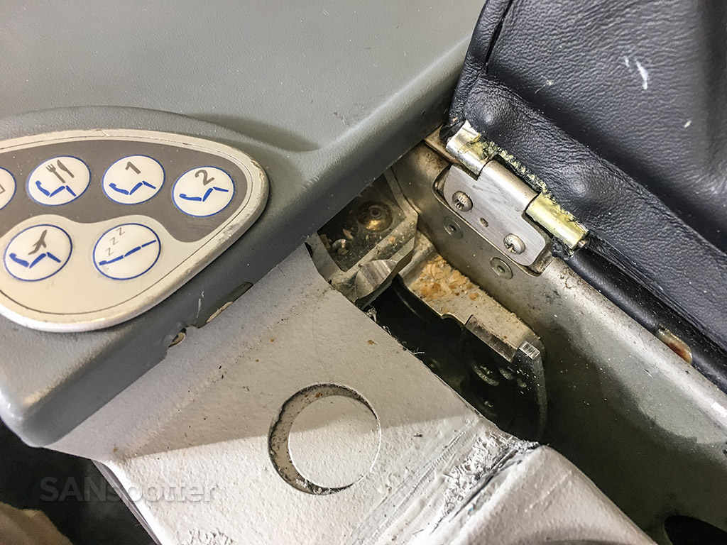 dirty tap portugal a330 business class seat