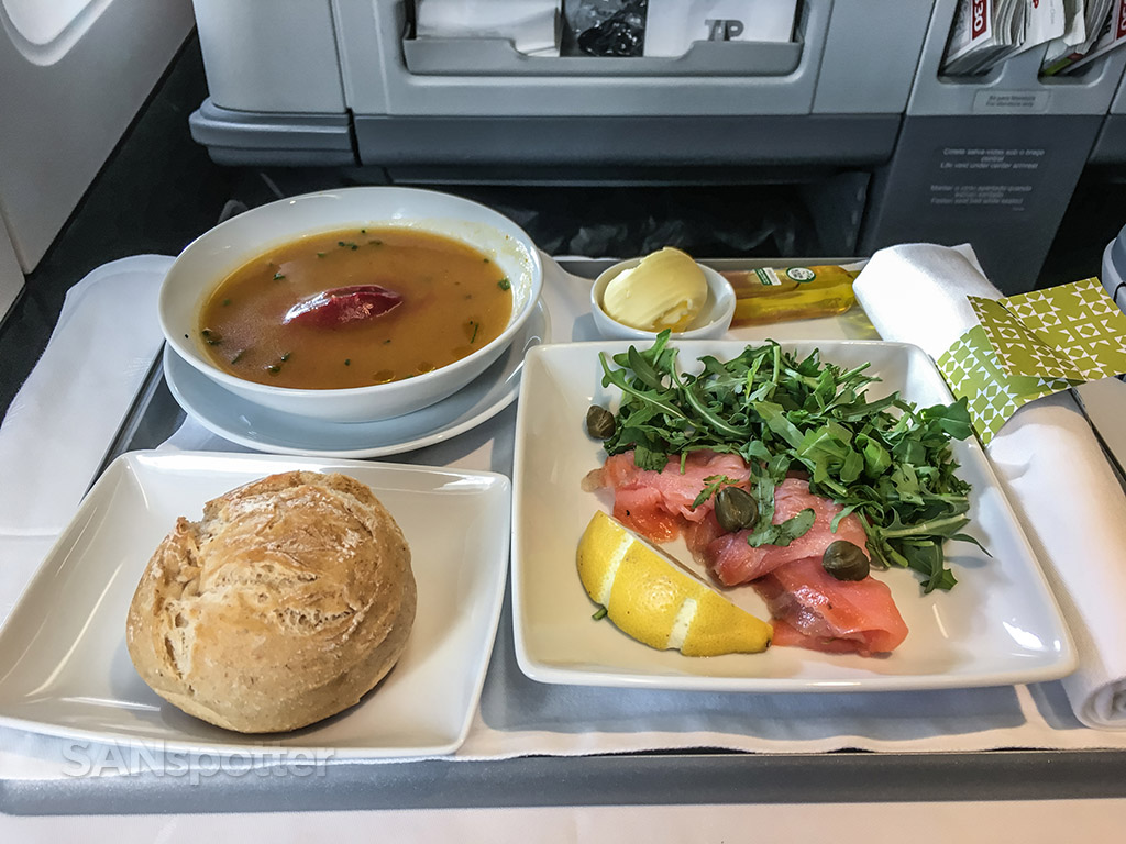tap portugal business class meal first course
