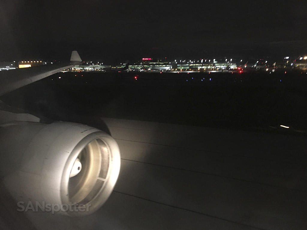 landing in Toronto TAP portugal A330