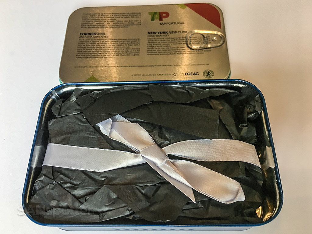 TAP portugal business class amenity kit