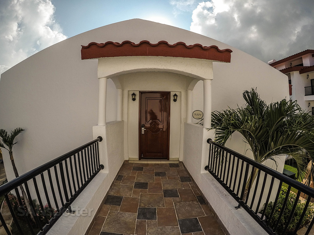Cancun all suite resort front door
