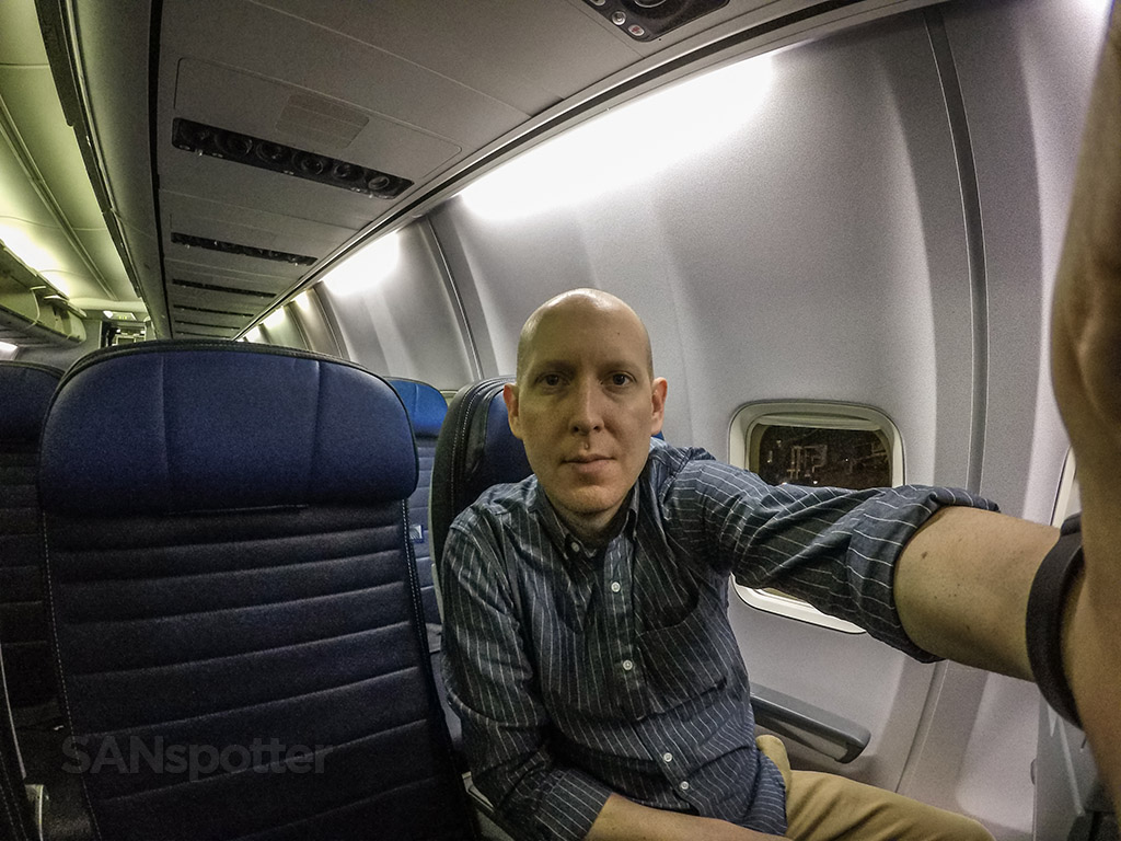 SANspotter selfie United airlines 737–800