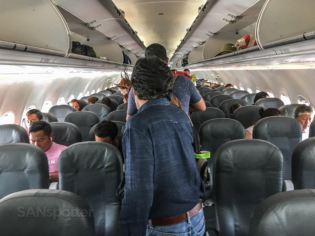 VivaAerobus A320 main cabin
