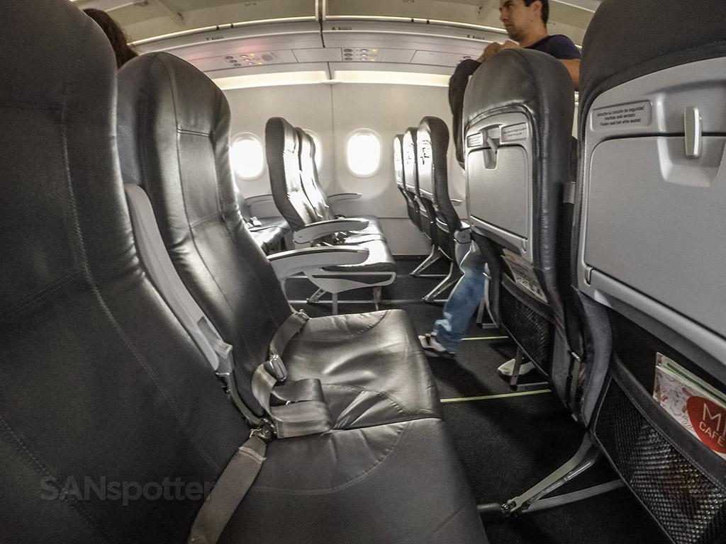 VivaAerobus a320 seats