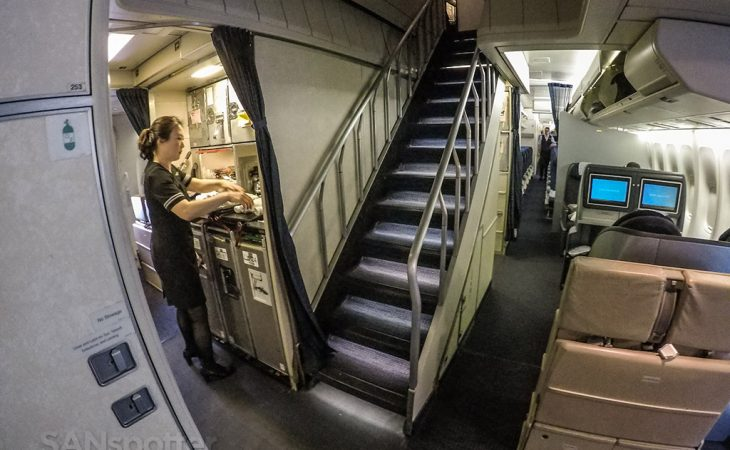 United airlines 747–400 stairs