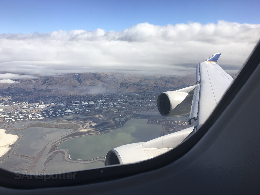 United Airlines 747–400 San Francisco approach