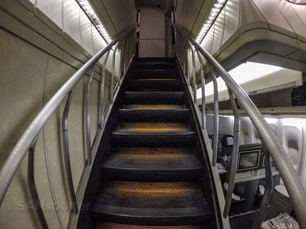 United Airlines 747–400 upper deck staircase