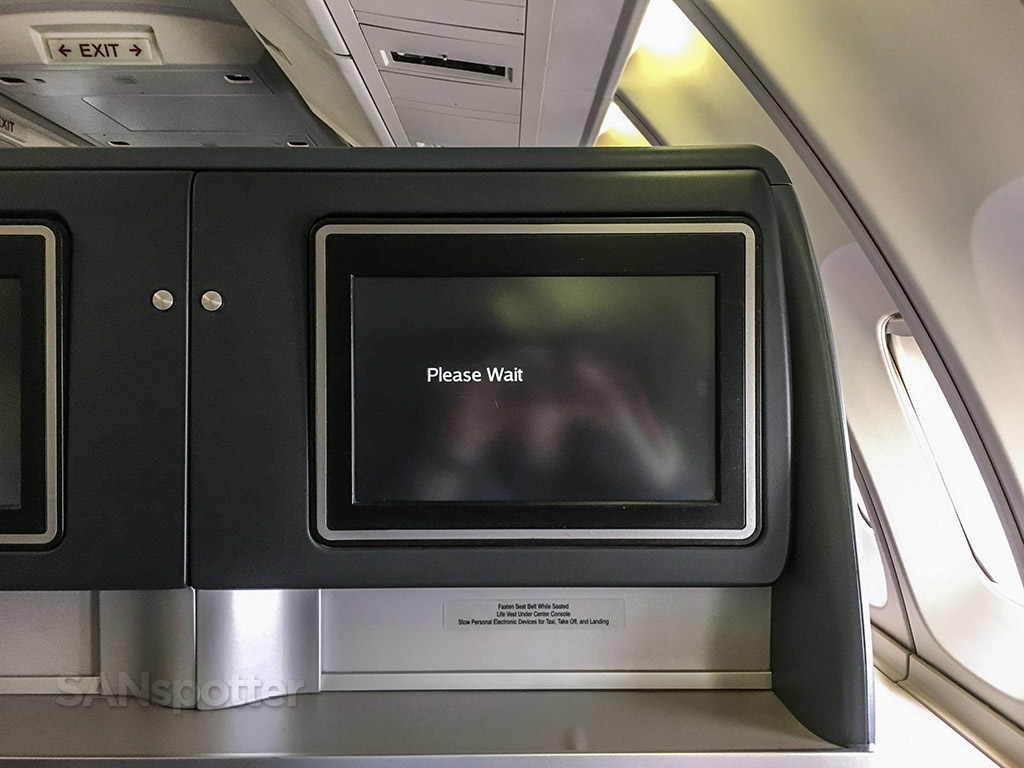 United Airlines 747 entertainment system failure
