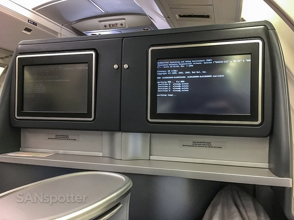 United airlines business class broken video system