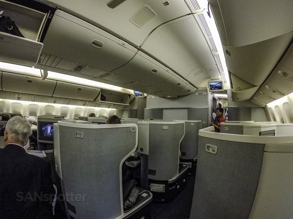 American airlines 777 300 er business class hong kong to los angeles sanspotter - Delta airlines hong kong office ...