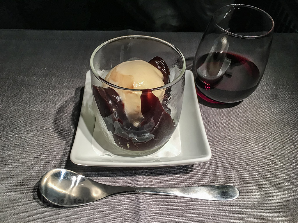 American Airlines international business class ice cream sundae